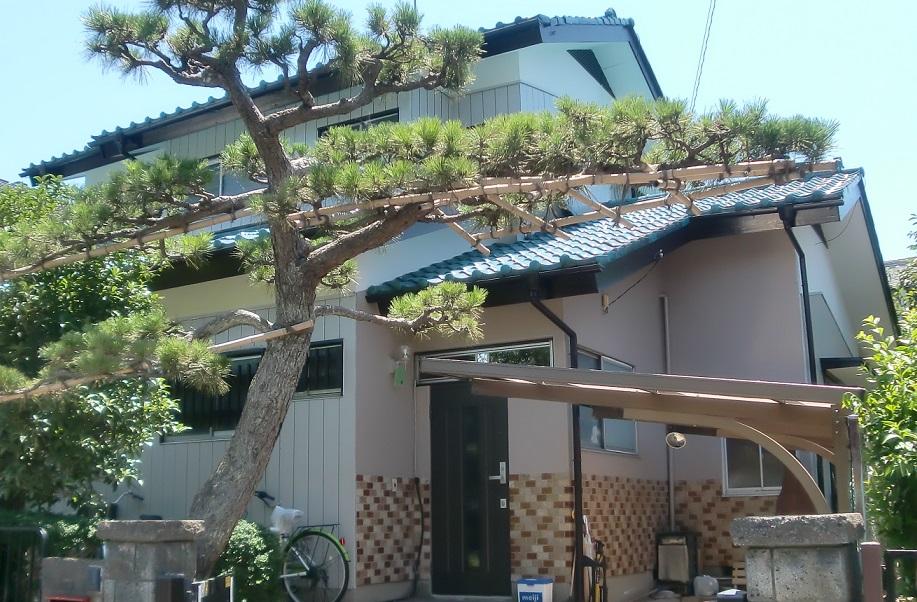 下屋根防水紙張替え・瓦積直し・部分塗装工事 After