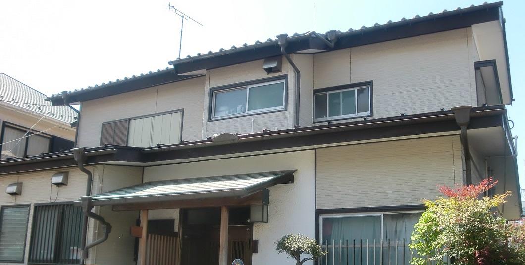 下屋根トタン塗装・納屋塗装・棟瓦積直し・軒先補修工事 After